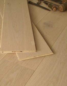 19CM Engineered Oak Planks EC24