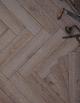 SPC Honey Oak Herringbone LH68